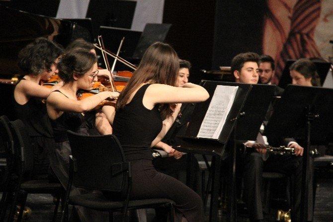 Sokak Hayvanları Yararına Klasik Müzik Konseri
