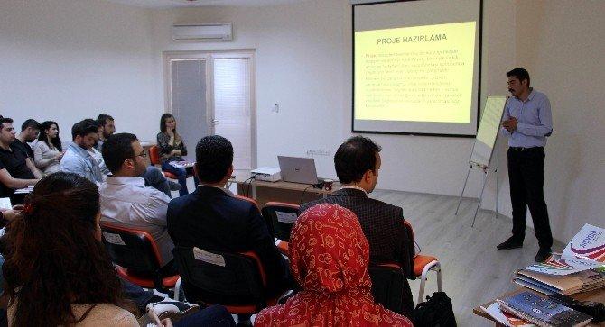 ADÜ'de Proje Yazma Ve Zaman Yönetimi Eğitimi Verildi