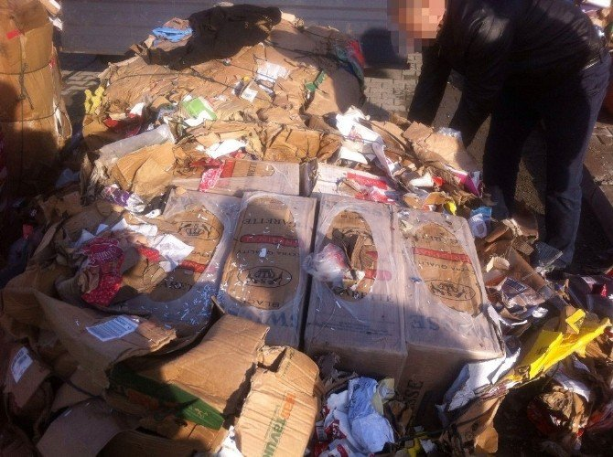 Afyonkarahisar'da Polis 172 Bin Paket Kaçak Sigara Ele Geçirdi