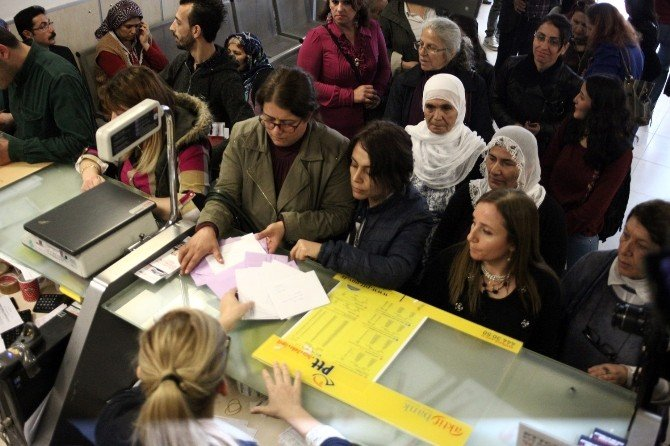 Cezaevindeki Kadınlara 8 Mart Kartı Gönderdiler