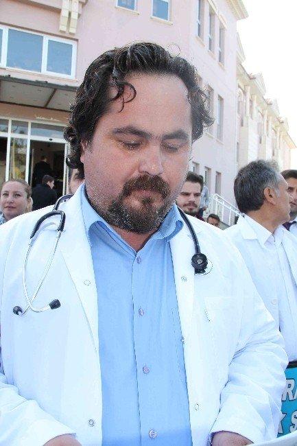 Doktora Saldırı Kınandı