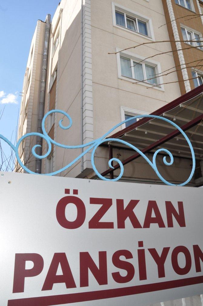 Edirne polisi vakıf, dernek, yurt ve bir işyerinde arama yaptı