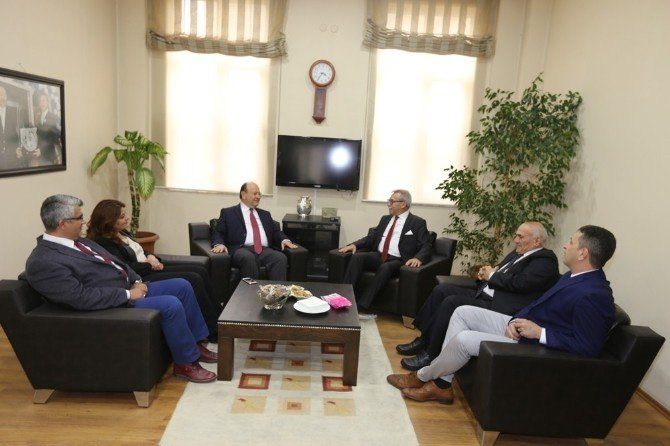 Başkan Özakcan, Aydın SMMMO'yu Ziyaret Etti