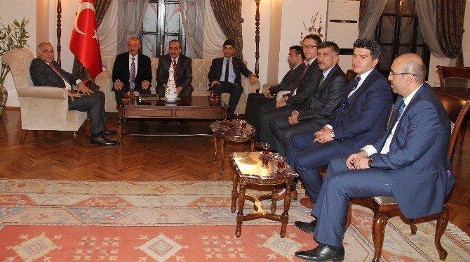 Vali Zorluoğlu, Taşdemir'e Başarı Belgesi Verdi