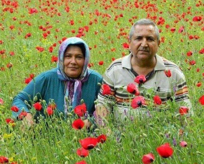 Anne Ve Babasını Öldürdüğünü Gözyaşları İçinde Anlattı