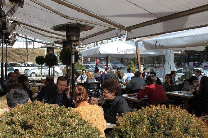 Başkent'te Bir Restoran, Diyet Ve Vejeteryen Menüleriyle Müşterilerine Hizmet Veriyor
