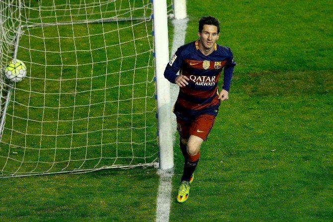 Arda Turan, Barcelona'da İlk Golünü Attı