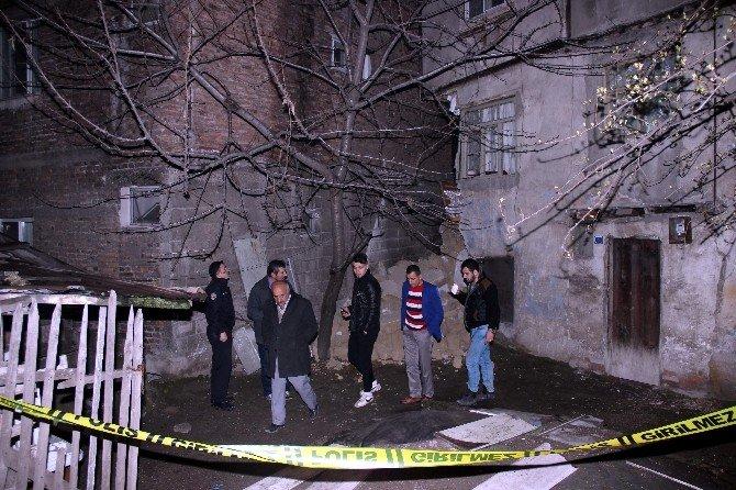 Karabük'te İki Katlı Binada Göçük Meydana Geldi