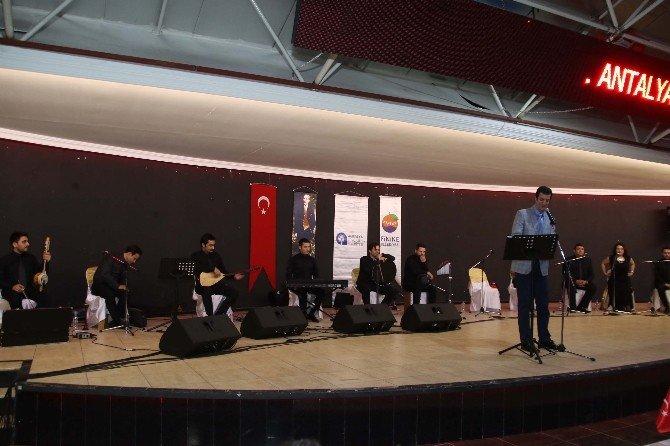 Sürelsan Konservatuarı'ndan Finike'de Türkü Ziyafeti