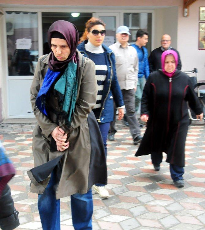 Manisa'da gözaltına alınan ev hanımlarından 4'ü adliyeye sevk edildi