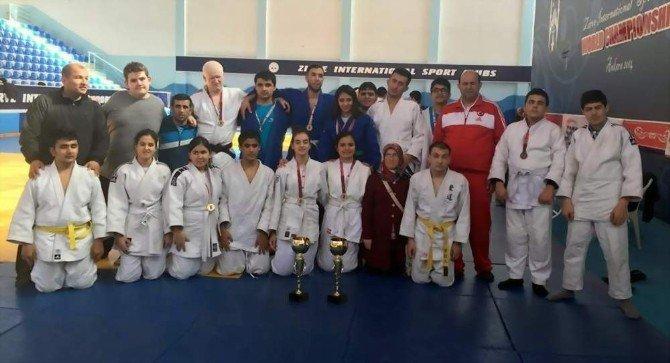 Manisalı Görme Engelliler Ankara'dan 25 Madalya İle Döndü