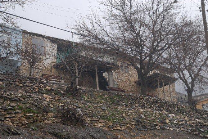 Şehit Ateşi Diyarbakır'a Düştü