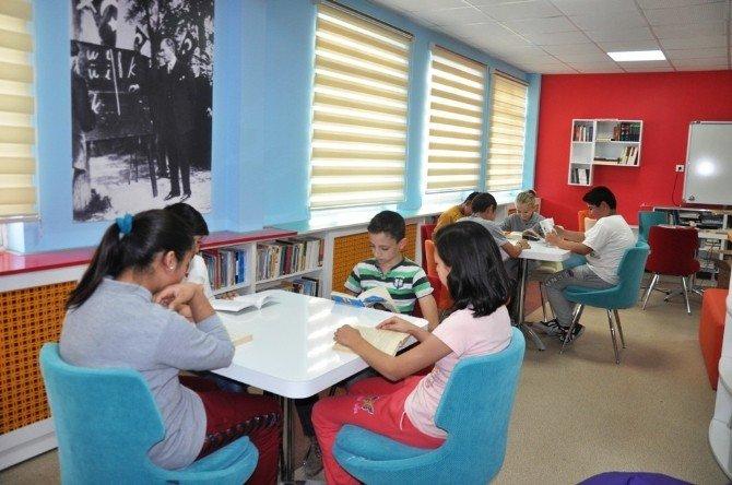 Bölgedeki TEK Z Kütüphane Açıldı