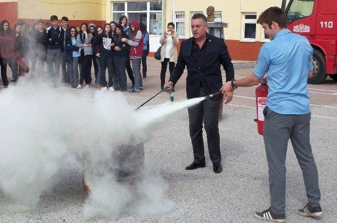 Şehit Ersan Yenici Anadolu Lisesinde Sivil Savunma Tatbikatı Yapıldı