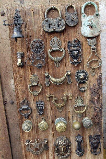 Osmanlı'dan Günümüze Kalan Kapı Tokmakları Yaşatılıyor