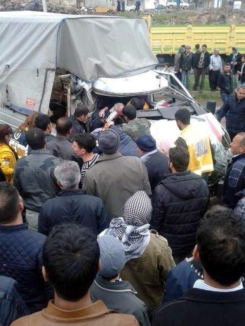 Siverek'te Trafik Kazası: 3 Yaralı