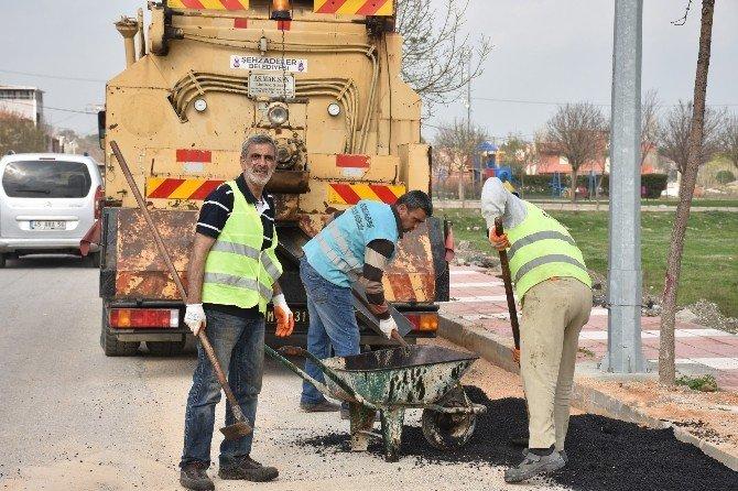 Başkan Çelik, Mahallelerdeki Çalışmaları Yerinde İnceledi