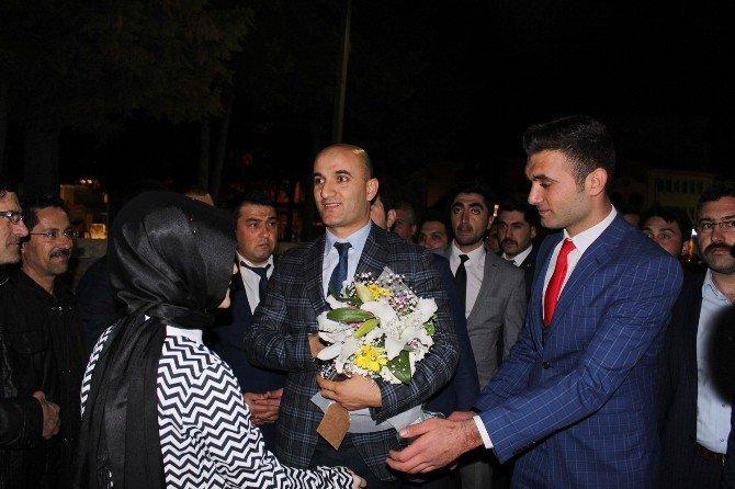 """Kılavuz:""""ağabeylerimiz Türk-islam Davası İçin Şehit Oldu"""""""