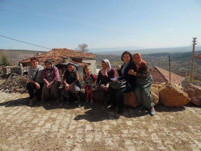 CHP Uşak Teşkilatı Köy Ziyaretlerine Devam Ediyor