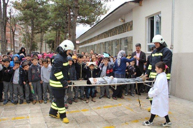 Oltu Karabekir İlkokulunda Gerçeğini Aratmayan Deprem Ve Yangın Tatbikatı