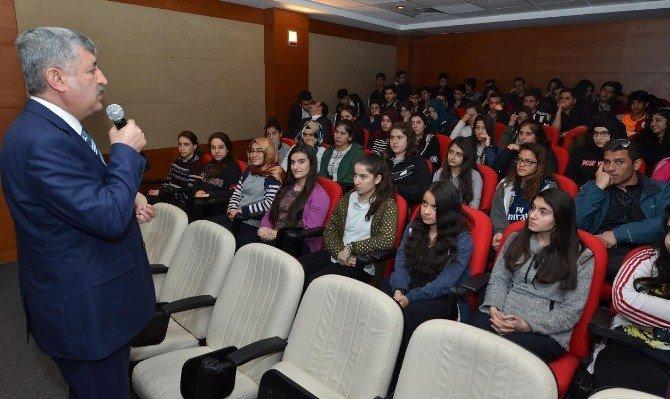 Polat, Gelecek Hepimizin Projesi Kapsamında Öğrencilerle Buluştu