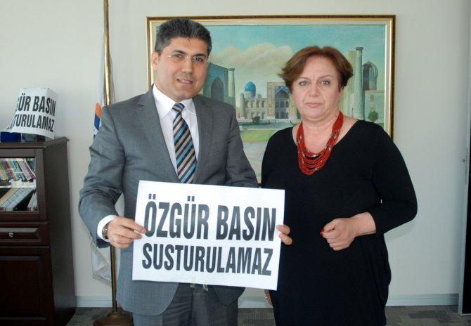 İzmir Gazeteciler Cemiyeti'nden Zaman'a destek ziyareti
