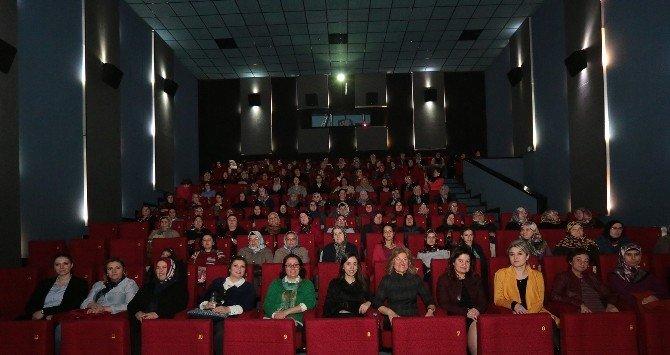 Kadınların İlk Kez Sinemaya Gitme Heyecanı
