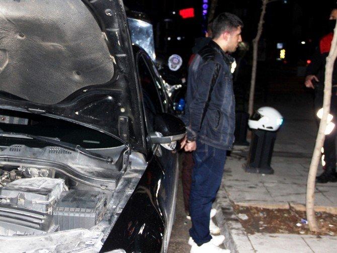 Dur İhtarına Uymayan Sürücü Yunus Polislerine Çarptı: 2 Polis Yaralı