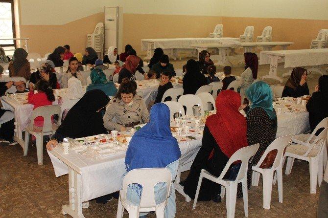 Aydın Ihh Suriyeliler İçin Etkinlik Düzenledi