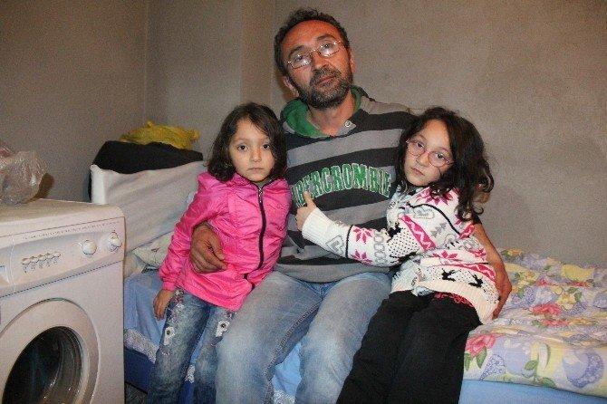 İki Çocuğuyla İnşaatta Yatıp Kalkıyor