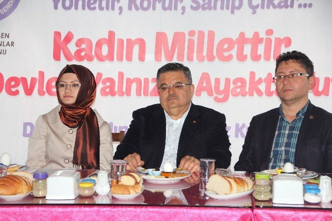 Eğitim Bir-sen Bilecik Kadınlar Komisyonu Üyeleri Kahvaltıda Bir Araya Geldi