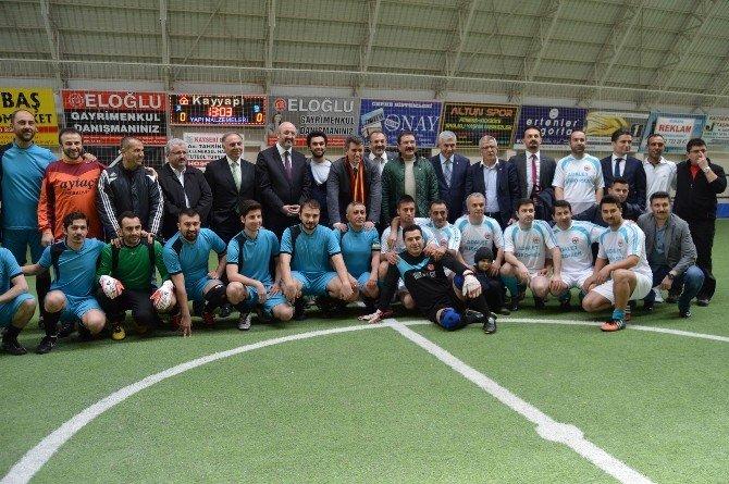 Tahsin Cırdı Futbol Turnuvası, TBB Başkanı Feyzioğlu'nun Topa Vuruşuyla Başladı