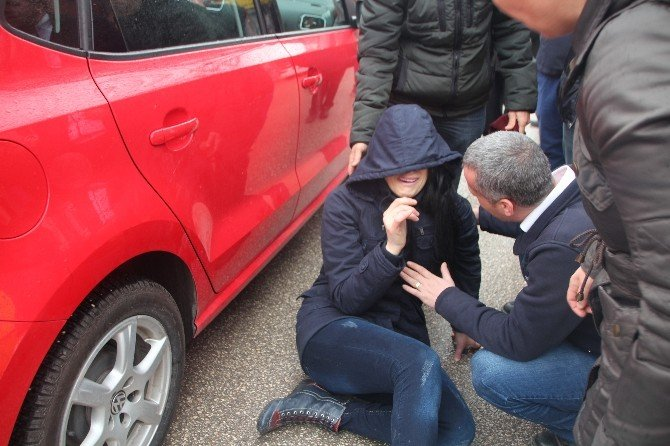 Dikkatsiz Yaya Otomobilinin Dikiz Aynası Çaptı