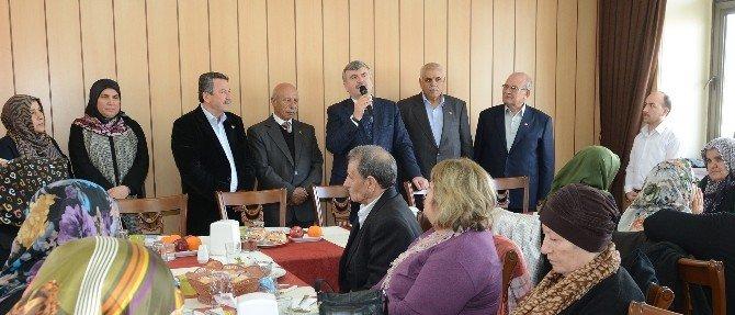 Başkan Akyürek, Şehit Aileleri İle Buluştu