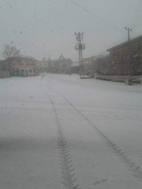 Nevşehir'e Mart Karı Yağdı
