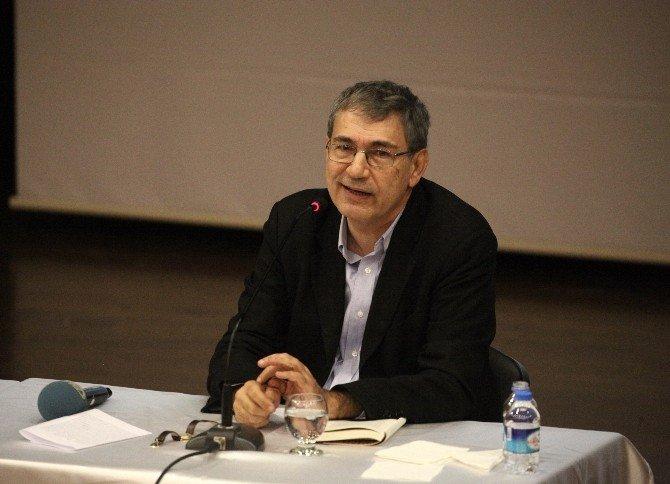 Nobel Ödüllü Yazar Pamuk, Niçin Yazdığını Anlattı