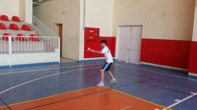 Okullararası Yıldızlar Badminton İl Birinciliği Müsabakaları Yapıldı