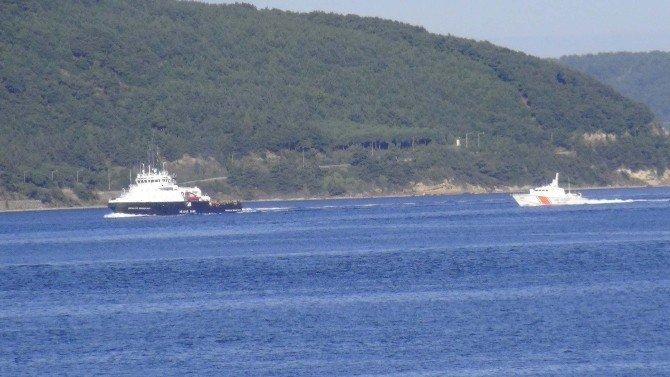 Rus Gemisi Çanakkale Boğazın'dan Geçti
