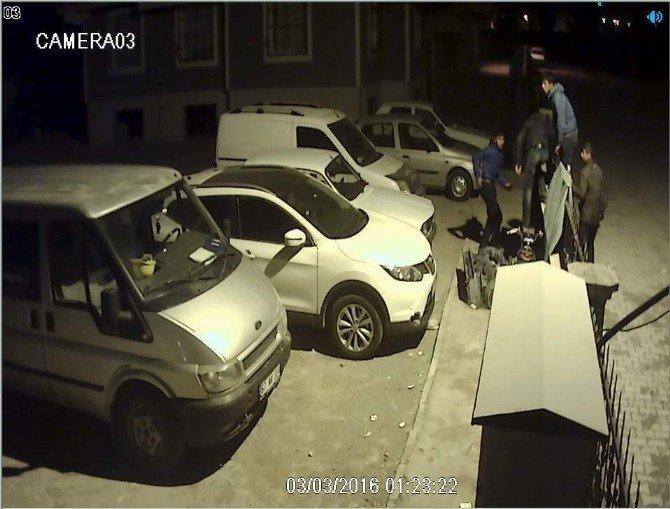 Motosiklet Hırsızlığı Kameraya Yansıdı