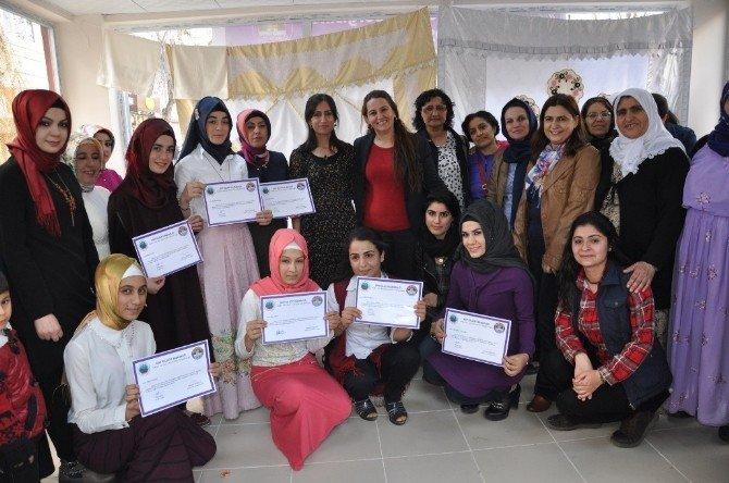 Siirt'teki Ezidi Kadınlar İçin Sergi Açıldı
