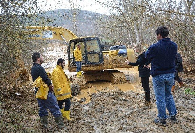 Beton Fabrikasının Havuzu Patladı, Dereyi Çamur Bastı
