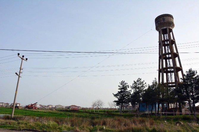 Teski, Uzun Yıllardır Kullanılmayan Ayaklı Su Deposunu Yıktı