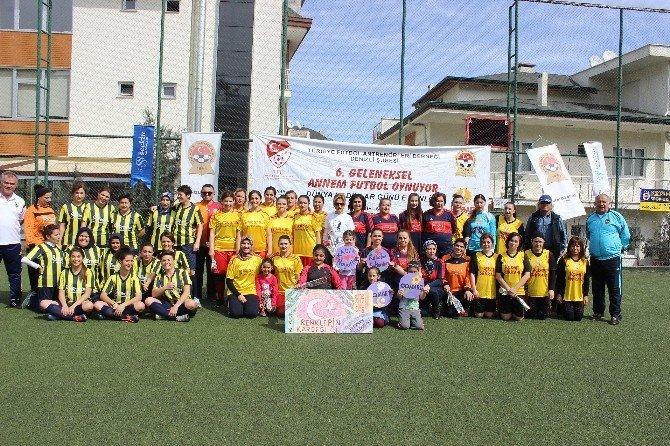 Kadınlar, Şiddete Hayır Diyerek Futbol Oynadılar
