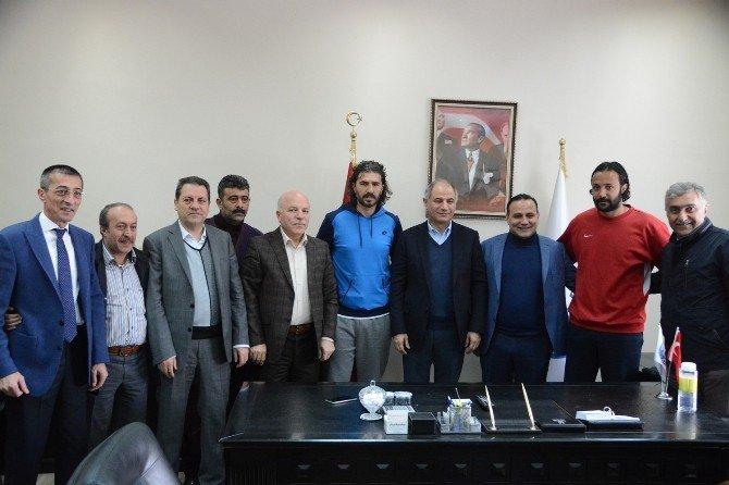 İçişleri Bakanı Efkan Ala'dan Bb Erzurumspor'a Destek Sözü