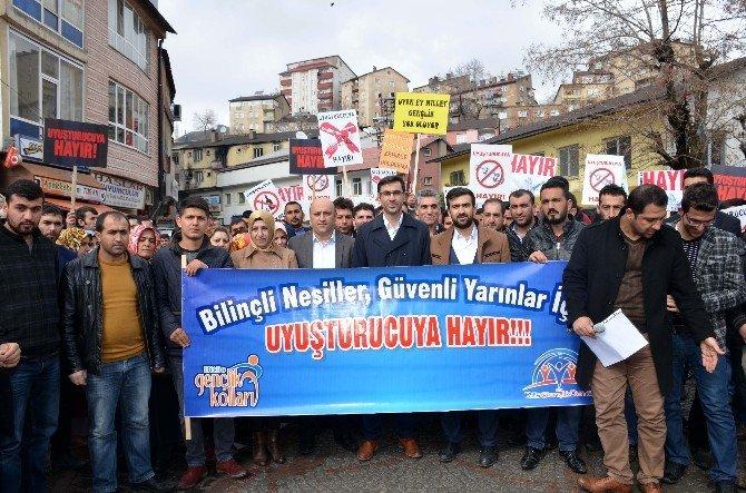 Bitlis'te 'Uyuşturucuya Hayır' Yürüyüşü