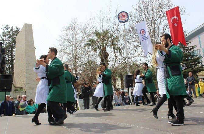 Bornozla Dans Edip Yürüdüler