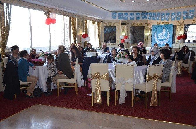 Eskişehir Ülkücü İşçiler Derneği Kadınlar Gününü Kutladı