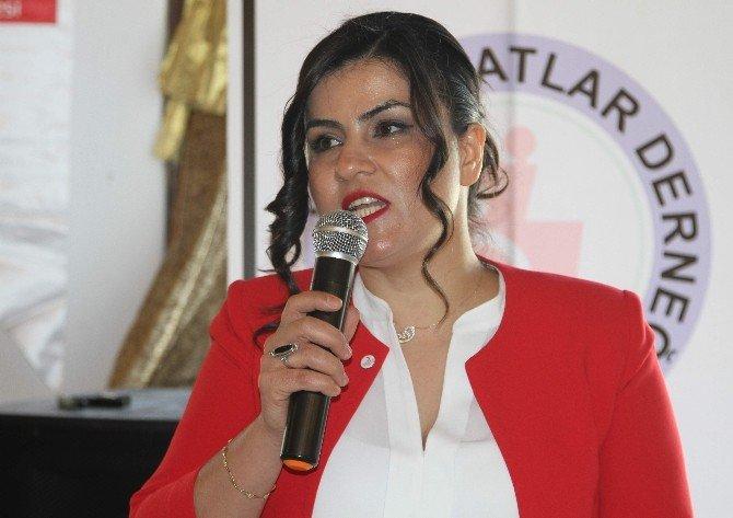 Türk Kızılayı Kadınlar Günü'nü Kutladı