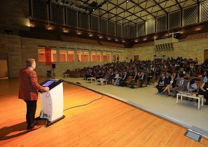 """Başkan Usta: """"Bilime Ve Eğitime Destek Olmanın Heyecanını Yaşıyoruz"""""""