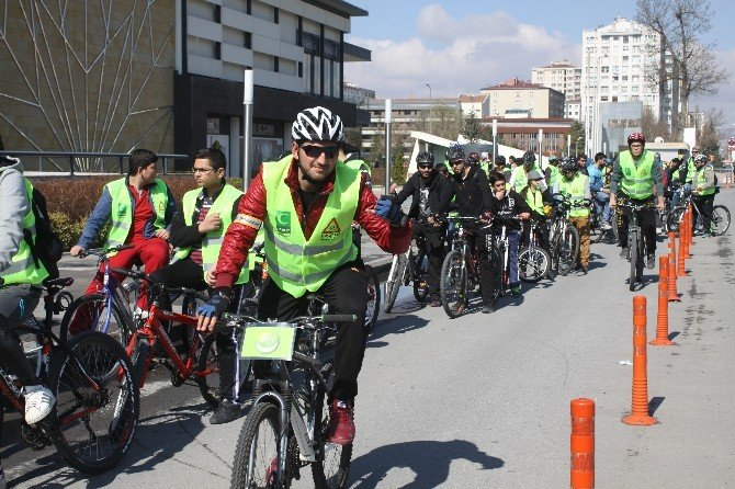 Yaşilay Haftası'nda Sağlıklı Yaşam İçin Pedal Çevirdiler